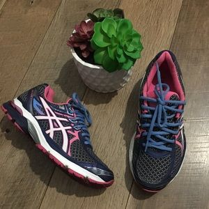 Asics womens sneakers size 7.5